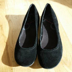 Merrell Avesso black suede size 7 ballet flats